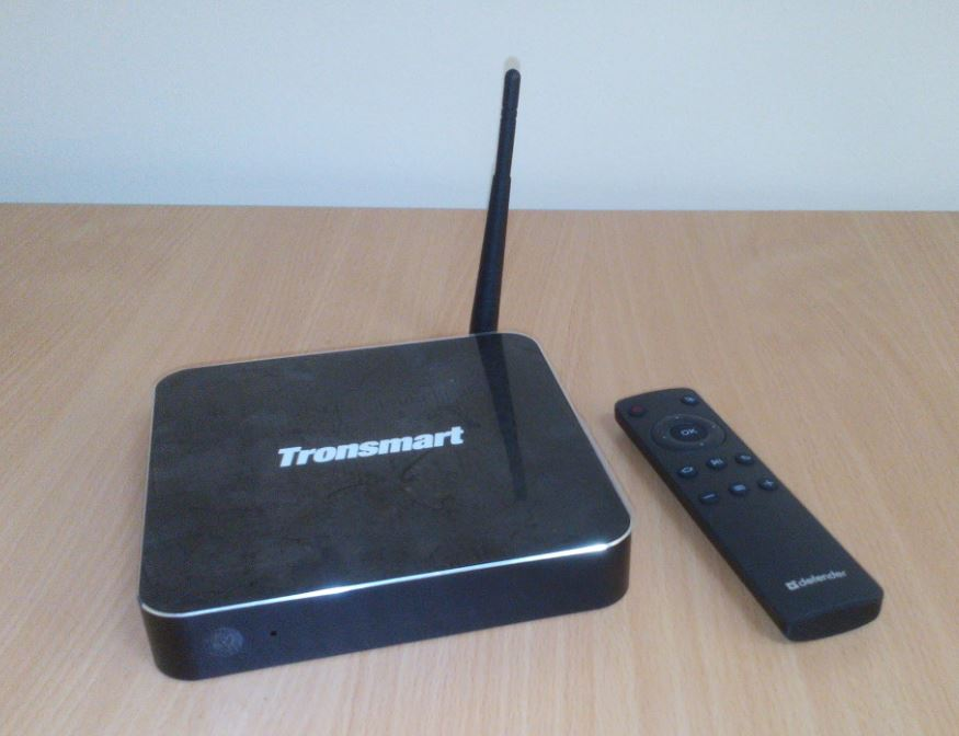 Tronsmart Draco AW80 and it's remote